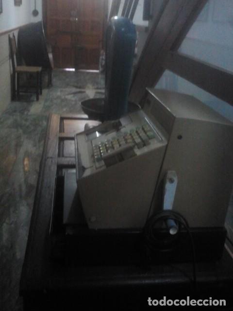 Antigüedades: CAJA REGISTRADORA - NCR - NATIONAL - DE ANTIGUO COMERCIO MADRILEÑO - AÑOS 60 - Foto 10 - 169443204