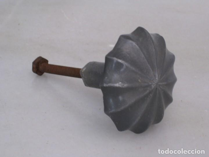 Antigüedades: Antiguo pomo de aluminio. - Foto 2 - 169445072