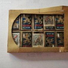 Antigüedades: CAJA CON 10 PAQUETES DE 10 HOJAS CADA UNO DE CUCHILLAS DE AFEITAR IBERIA DE LUJO SIN ABRIR.. Lote 169454124