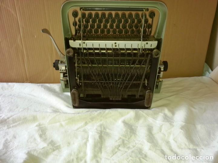 Antigüedades: Máquina de escribir Hispano Olivetti Lexicon 80. - Foto 4 - 169614576