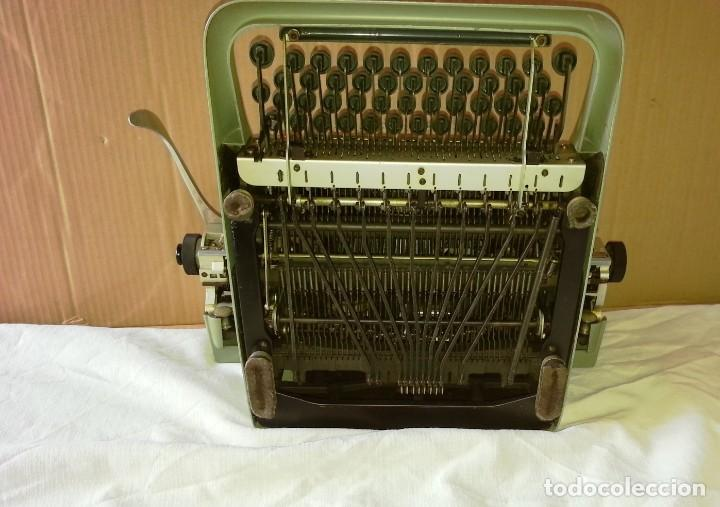 Antigüedades: Máquina de escribir Hispano Olivetti Lexicon 80. - Foto 5 - 169614576