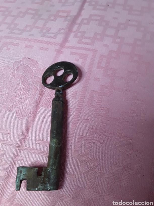 LLAVE MUY ANTIGUA DE FORJA (Antigüedades - Técnicas - Cerrajería y Forja - Llaves Antiguas)