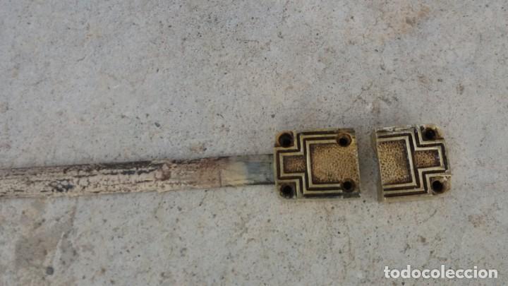 Antigüedades: Cerradura tirador pomo ART DECO bronce para ventana cerrojo pasador manivela falleba cerrajeria - Foto 3 - 170033192