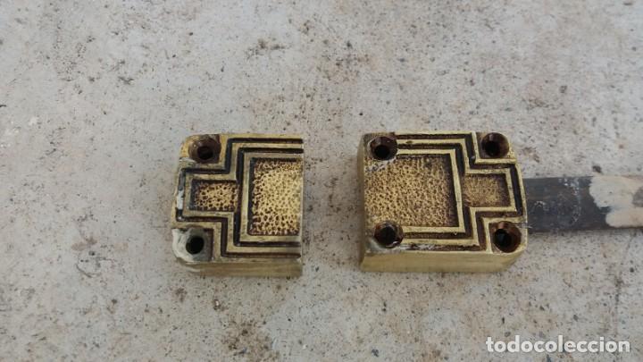 Antigüedades: Cerradura tirador pomo ART DECO bronce para ventana cerrojo pasador manivela falleba cerrajeria - Foto 5 - 170033192