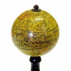 Antigüedades: 1830 - IMPORTANTE GLOBO FRANCÉS, ANÓNIMO MINIATURA O POCKET GLOBE 6CM. . Lote 170096560