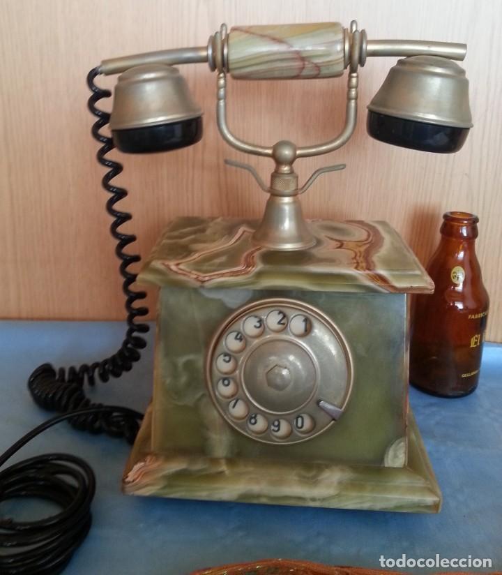 TELÉFONO DE ALABASTRO. AÑOS 60. FUNCIONANDO PERFECTAMENTE. (Antigüedades - Técnicas - Teléfonos Antiguos)