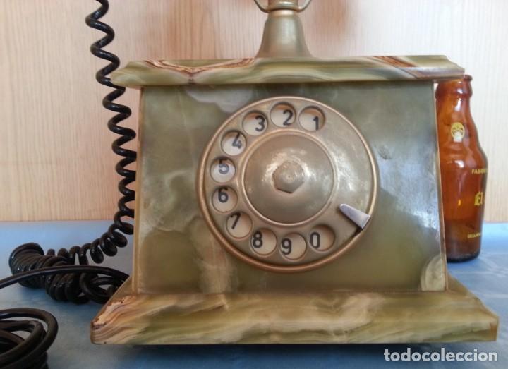 Teléfonos: Teléfono de alabastro. Años 60. Funcionando perfectamente. - Foto 3 - 170112116