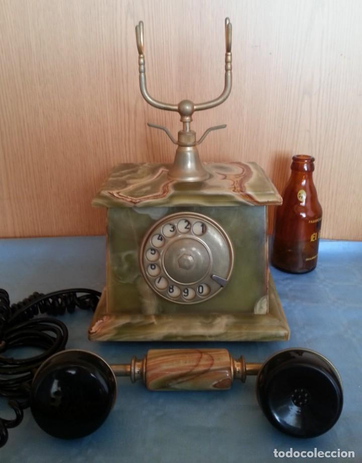 Teléfonos: Teléfono de alabastro. Años 60. Funcionando perfectamente. - Foto 4 - 170112116
