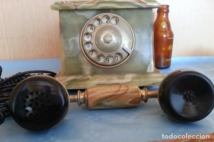 Teléfonos: Teléfono de alabastro. Años 60. Funcionando perfectamente. - Foto 6 - 170112116