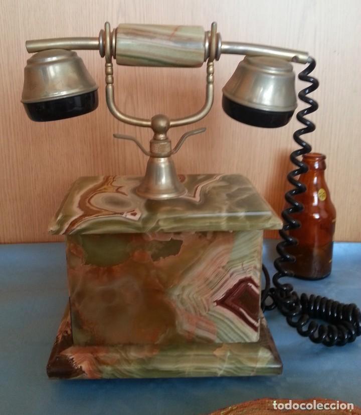 Teléfonos: Teléfono de alabastro. Años 60. Funcionando perfectamente. - Foto 8 - 170112116