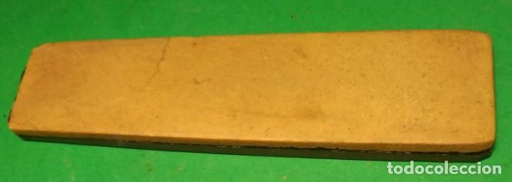 PIEDRA DE AFILAR NAVAJA DE AFEITAR : COTICULA AMARILLA CLASICA + TIPO TURINGIA, SHARPENING STONE (Antigüedades - Técnicas - Barbería - Navajas Antiguas)