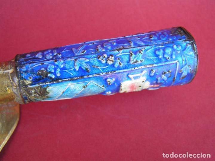 Antigüedades: Plancha china de carbón para seda. Principios siglo XX. - Foto 13 - 170345504