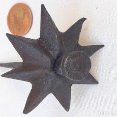 Antigüedades: 3 - CLAVO ANTIGUO CON EMBELLECEDOR ESTRELLA 8 PUNTAS- SIGLO XVII. EN HIERRO FORJADO.. Lote 170374100