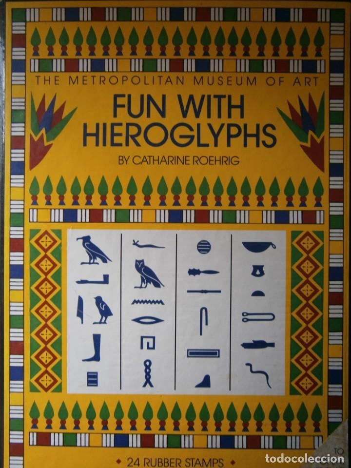 THE METROPOLITAN MUSEUM OF ART FUN WITH HIEROGLYPHS CATHARINE ROEHRIG 1991 TAMPONES DE SELLAR (Antigüedades - Técnicas - Herramientas Profesionales - Imprenta)