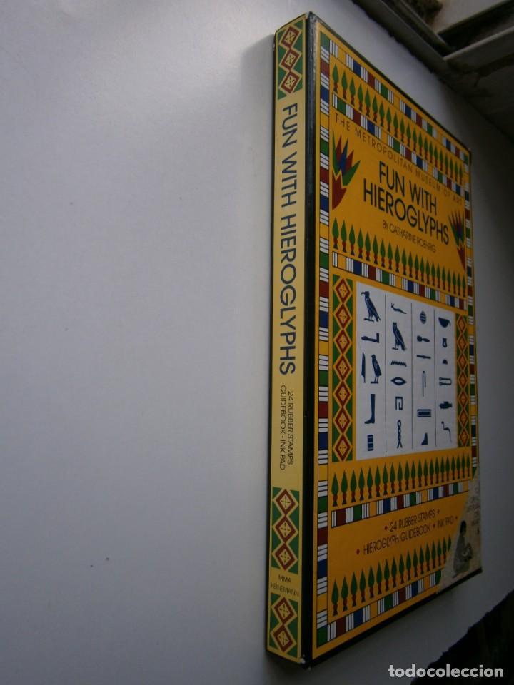 Antigüedades: THE METROPOLITAN MUSEUM OF ART FUN WITH HIEROGLYPHS Catharine Roehrig 1991 TAMPONES DE SELLAR - Foto 3 - 170424924