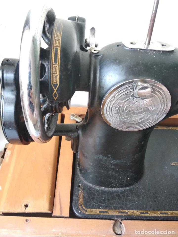 Antigüedades: Bonita máquina de coser singer - Foto 3 - 171016359