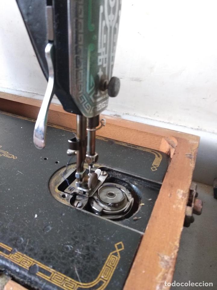 Antigüedades: Bonita máquina de coser singer - Foto 6 - 171016359