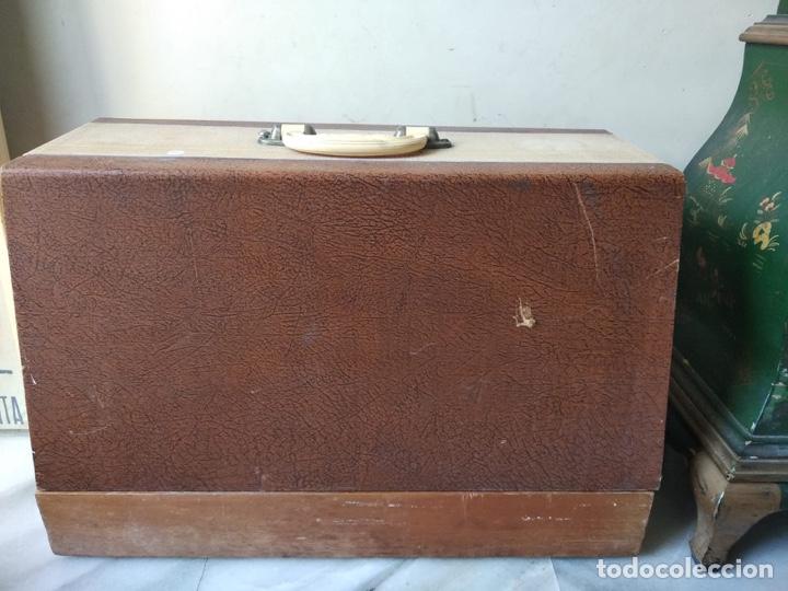 Antigüedades: Bonita máquina de coser singer - Foto 19 - 171016359