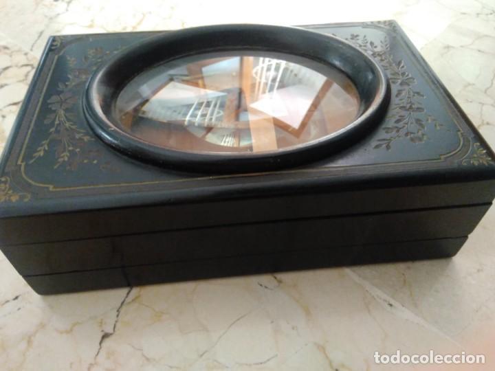 Antigüedades: Bonita caja de madera decorada con lupa. 22 x 145 cm. Lasante. Óptico. - Foto 7 - 171017542