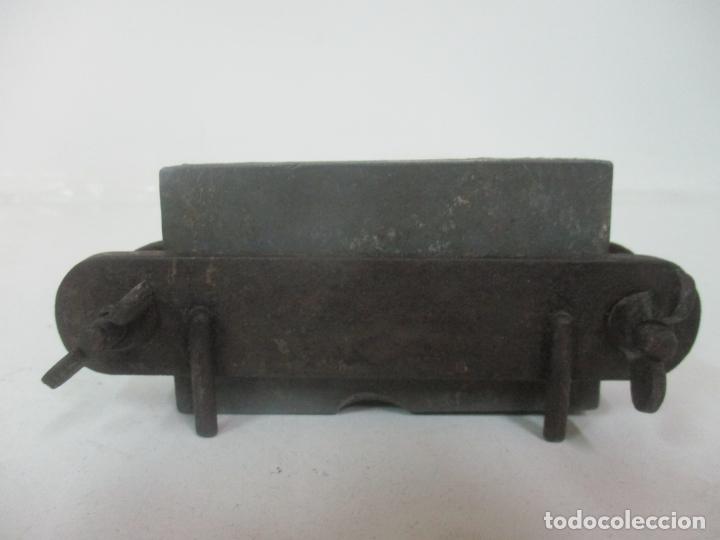Antigüedades: Antiguo Molde de Farmacia para la Elaboración de supositorios - Metal - S. XIX - Foto 7 - 171019479