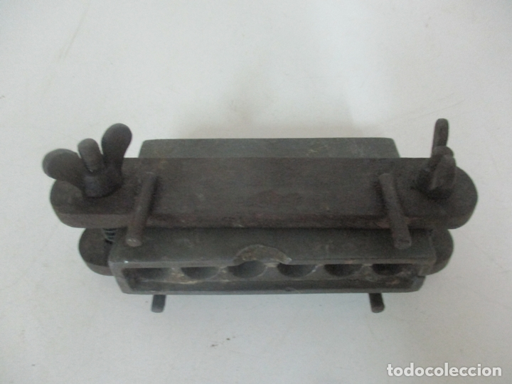 Antigüedades: Antiguo Molde de Farmacia para la Elaboración de supositorios - Metal - S. XIX - Foto 9 - 171019479