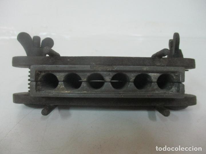 Antigüedades: Antiguo Molde de Farmacia para la Elaboración de supositorios - Metal - S. XIX - Foto 10 - 171019479