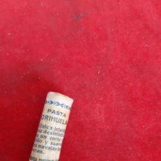 Antigüedades: PASTA SUAVIZADORA PARA NAVAJAS DE AFEITAR DE LA MARCA ORIHUELA NO LLEVA CAJA EL SU ENVOLTORIO DE PAP. Lote 171020049