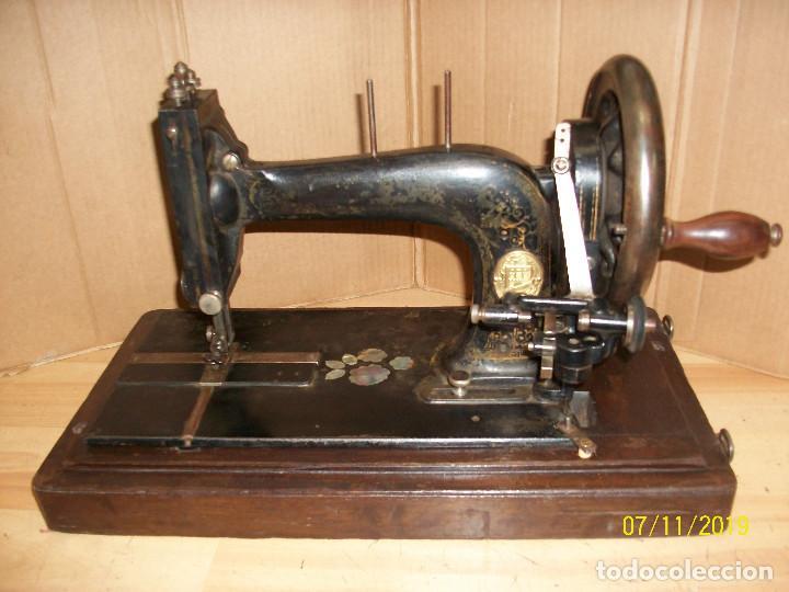 ANTIGUA MAQUINA DE COSER FRANCESA-FUNCIONA (Antigüedades - Técnicas - Máquinas de Coser Antiguas - Otras)