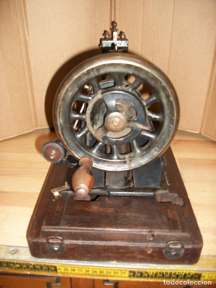 Antigüedades: ANTIGUA MAQUINA DE COSER FRANCESA-FUNCIONA - Foto 7 - 171029437