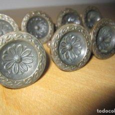 Antigüedades: LOTE 8 TIRADORES ANTIGUOS CIRCULARES METAL. Lote 171031642