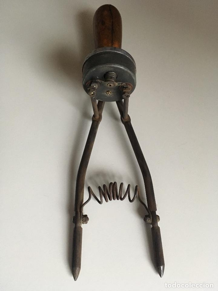 Antigüedades: Antiguo comprobador de Voltajes de las baterías - Foto 2 - 171070113