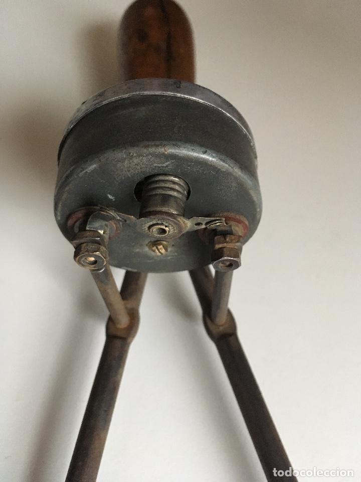 Antigüedades: Antiguo comprobador de Voltajes de las baterías - Foto 4 - 171070113