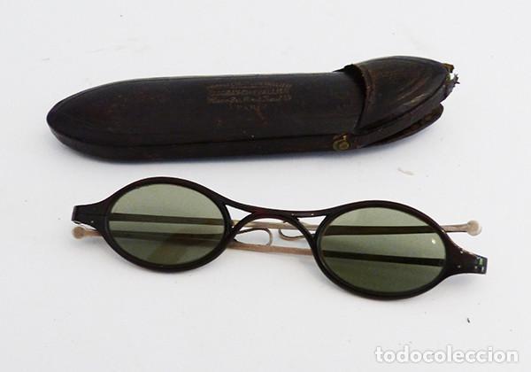 GAFAS ANTIGUAS DE SOL CON FUNDA (Antigüedades - Técnicas - Instrumentos Ópticos - Gafas Antiguas)