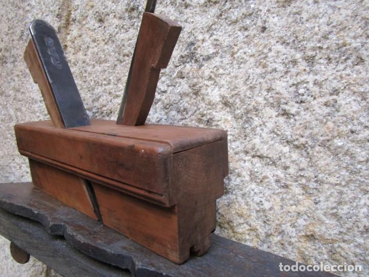 Antigüedades: ANTIGUO CEPILLO CARPINTERO DE MACHIHEMBAR CANTOS TABLAZON, EN CAOBA , ACERO PEUGEOR + INFO 1s - Foto 5 - 171210979