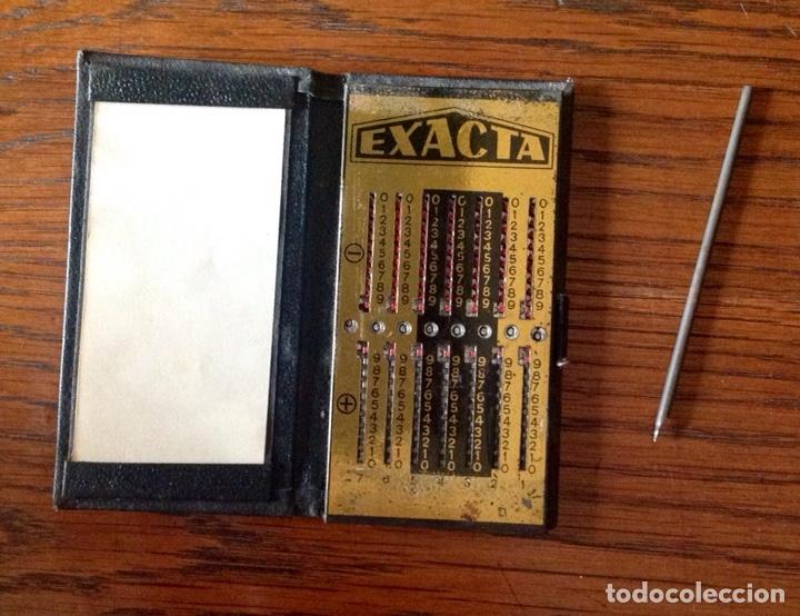 ANTIGUA CALCULADORA MANUAL MARCA EXACTA COMPLETA. (Antigüedades - Técnicas - Aparatos de Cálculo - Calculadoras Antiguas)
