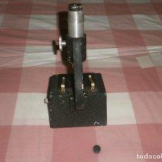 Antigüedades: MICROSCOPIO ALUMINIO BRITEX NATURALIST 1224 MEDIDA 20 X 10 X 10 CM. . Lote 171256072