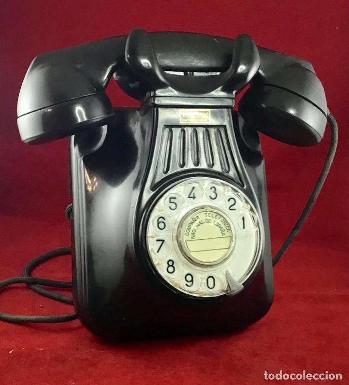 ANTIGUO TELÉFONO BAQUELITA ESPAÑOL, 5522EZ, DE STANDARD ELÉCTRICA, PARA LA CTNE. (Antigüedades - Técnicas - Teléfonos Antiguos)