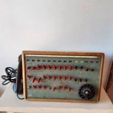 Antigüedades: ANTIGUA CENTRALITA TELEFÓNICA LM ERICCSON. Lote 171352547