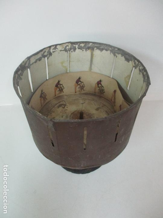 Antigüedades: Antiguo Zootropo - Cine - con 40 Tiras, Películas Francisco Font, Barcelona - Finales S. XIX - Foto 3 - 171417548