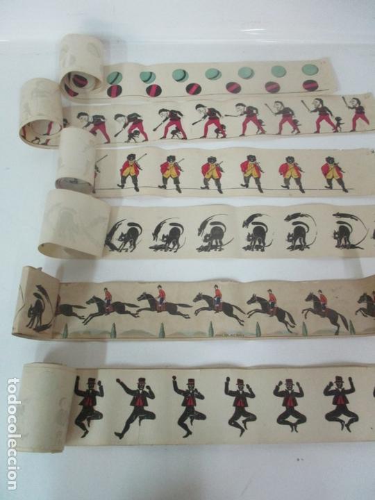Antigüedades: Antiguo Zootropo - Cine - con 40 Tiras, Películas Francisco Font, Barcelona - Finales S. XIX - Foto 14 - 171417548