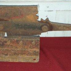 Antigüedades: ANTIGUA CIZALLA DE HIERRO. Lote 171430785