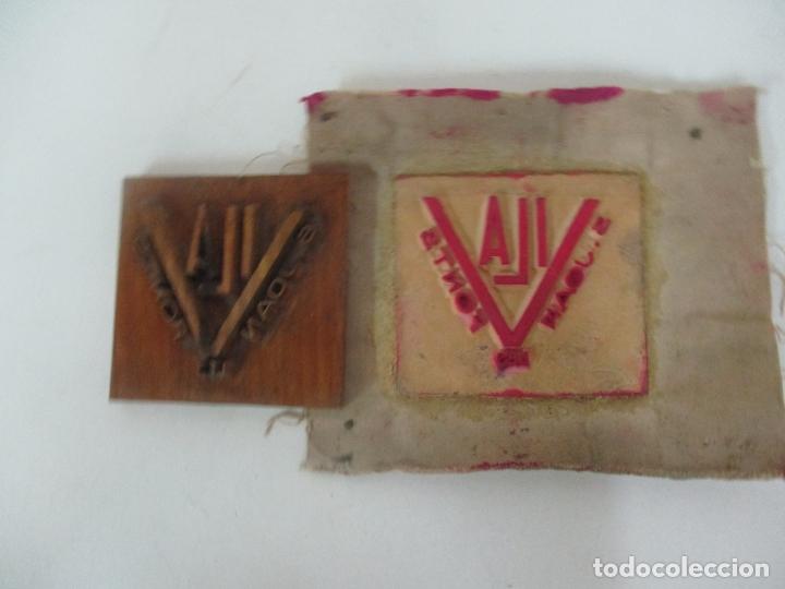Antigüedades: Antigua Plancha - Molde en Talla de Madera y en Terracota - Papelera Vila, Sant Joan les Fonts - Foto 2 - 171515920