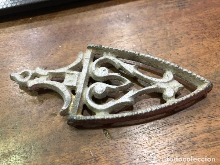 BASE PARA MINI PLANCHA - MEDIDA 13,5X6 CM (Antigüedades - Técnicas - Planchas Antiguas - Varios)