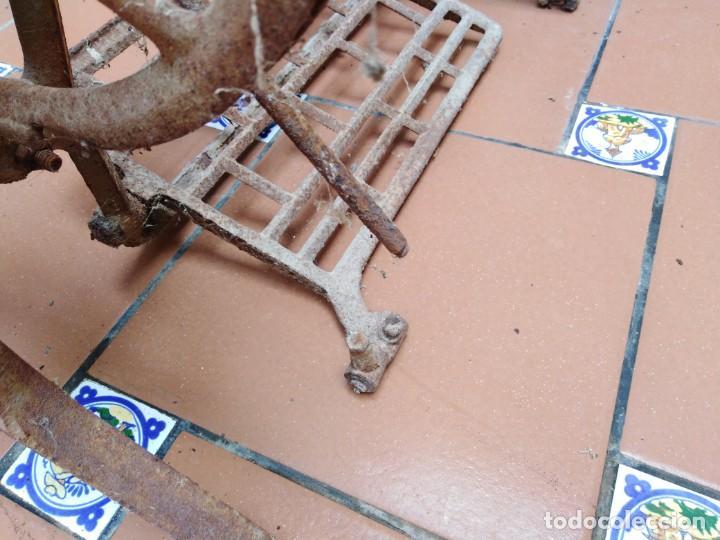 Antigüedades: antiguos pies maquina de coser alfa - ideales para transformar en una mesa - Foto 6 - 171797649