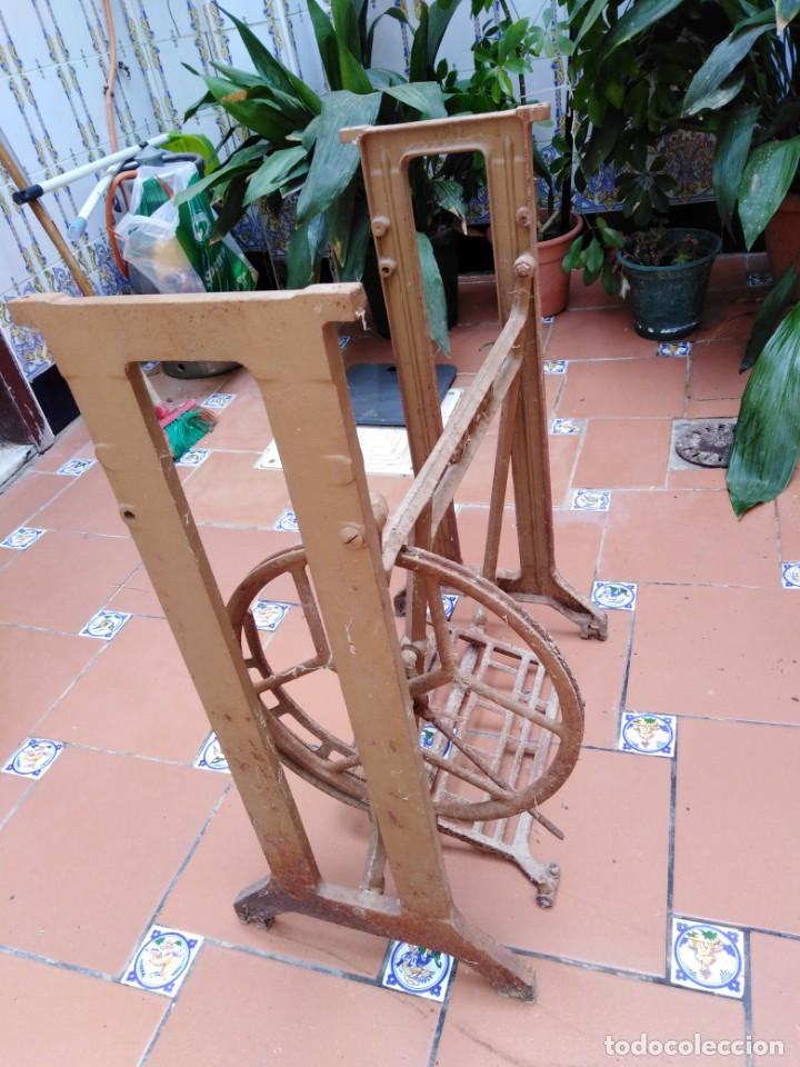 Antigüedades: antiguos pies maquina de coser alfa - ideales para transformar en una mesa - Foto 7 - 171797649