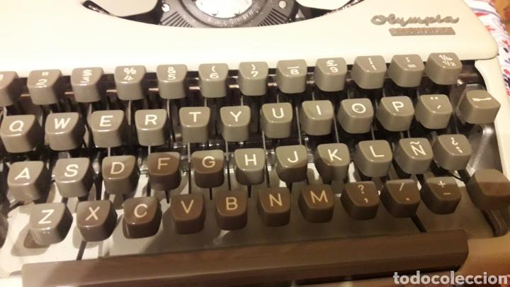 Antigüedades: Antigua máquina de escribir Olympia Splendid 33 - Foto 5 - 200178591