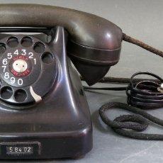 Teléfonos: TELEFONO DE BAQUELITA NEGRO DISEÑO DANÉS KRISTIAN KIRKS TELEFON FABRIKER AÑOS 50. Lote 172057555