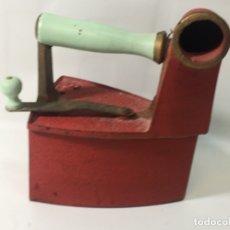 Antigüedades: ORIGINAL ANTIGUO PLANCHA DE CARBÓN CHIMENEA. Lote 172138930
