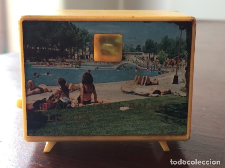 Antigüedades: Dos televisores en miniatura para ver diapositivas recuerdo lleida y virgen de Sales - Foto 3 - 172297118