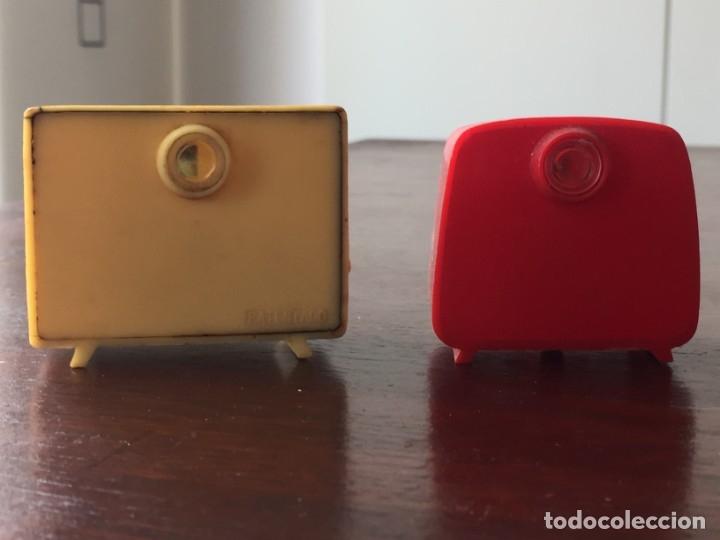 Antigüedades: Dos televisores en miniatura para ver diapositivas recuerdo lleida y virgen de Sales - Foto 4 - 172297118